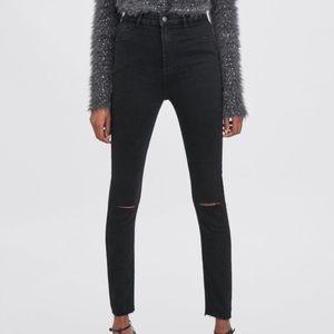 Zara stretchy black skinny jeans with knee slits